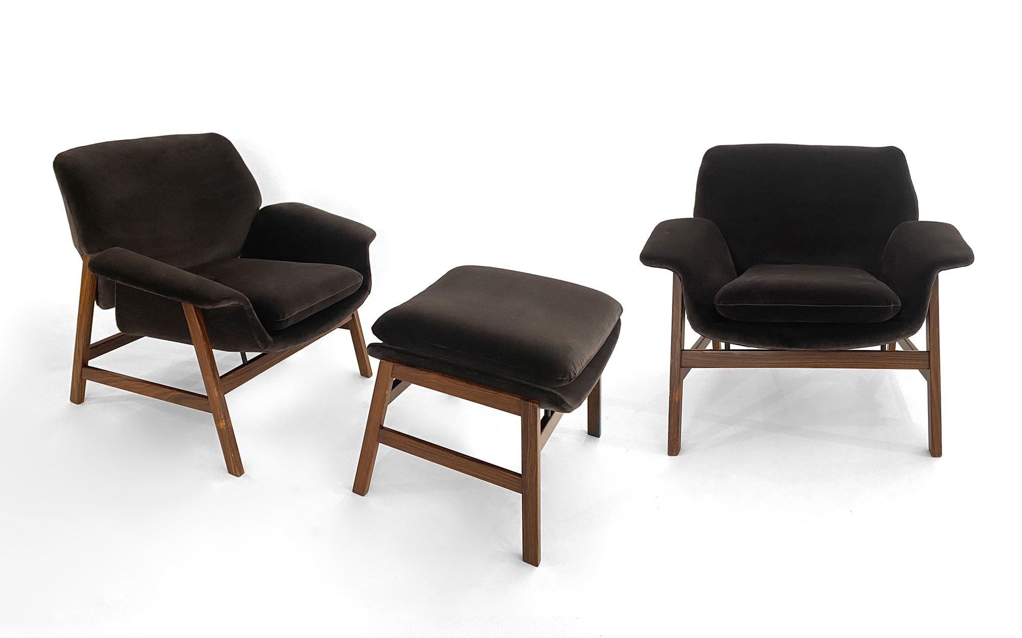Gianfranco Frattini 2 armchairs model n°849 and 1 ottoman n°849/S (brown)